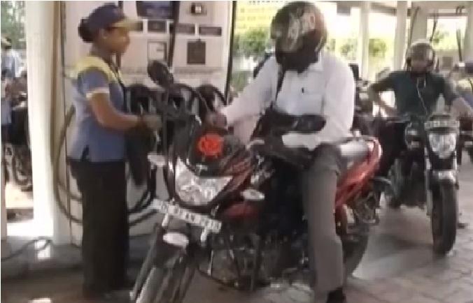 پٹرول-ڈیزل کی قیمتوں میں ہوئی کمی