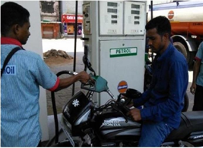پیٹرول قیمتیں 3 سال کے اونچے مقام پر، ڈیزل نے بھی بنایا ریکارڈ