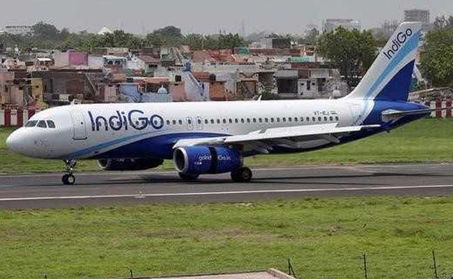 انڈگو ایئر لائن کا منافع 294 فیصد بڑھا