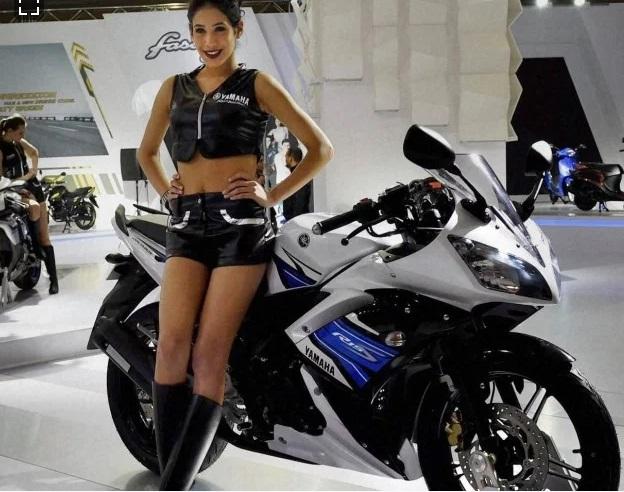 یامہا Yamaha اس بائیک کے ساتھ دے رہی فری رائڈنگ جیکٹ اور ریسنگ ہیلمٹ
