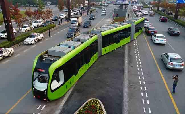دنیا کی پہلی سمارٹ ٹرین: چین نے چلائی بنا پڑی والی ٹرین