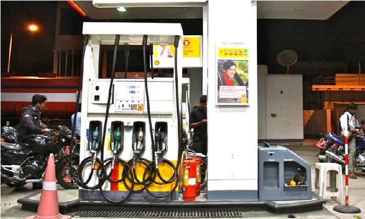 تلنگانہ حکومت نے تمام پٹرول پمپس کو لاک ڈاون سے مستثی کردیا