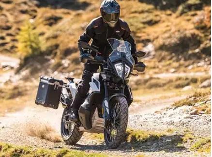 کے ٹی ایم ایڈوینچر KTM 390 Adventure کی تصویر لیک