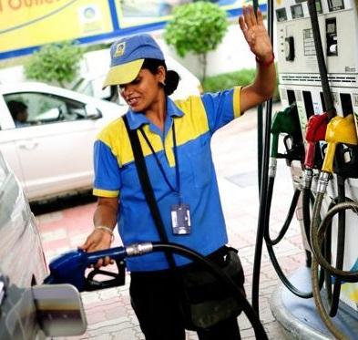 پٹرول کی قیمت دوسری سب سے اونچی سطح پر