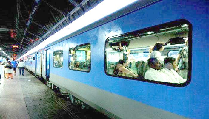 ریل مسافروں کو ملے گی ویٹنگ ٹکٹ سے نجات، 1 جولائی سے بدلیں گے قوانین