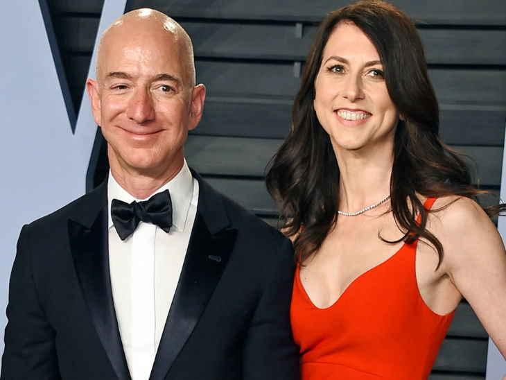 دنیا کے سب سے امیر ایمیزون کے مالک بیوی سے 25 سال بعد طلاق لیں گے