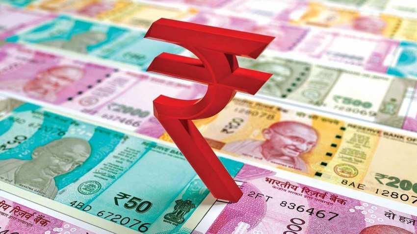 ڈالر کے مقابلے روپیہ 12 پیسے مضبوط