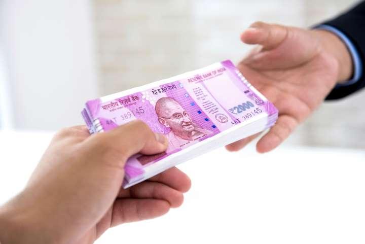 قرض کو فروغ دینے کے لئے سرکاری سیکٹر کے بینکوں کو 70000 کروڑ روپے کا سرمایہ فراہم کرنے کی تجویز