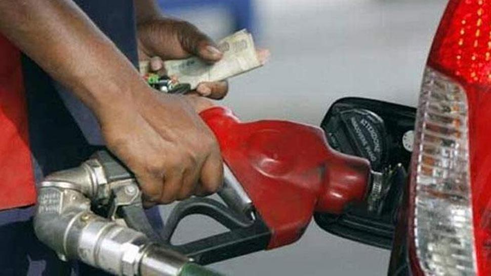 دہلی اور ممبئی میں آج 18 پیسے فی لیٹر ہوا پیٹرول-ڈیزل