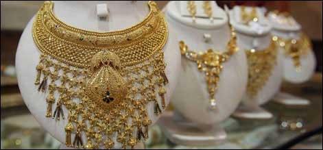 سونے کی قیمت میں اچھال، 31،000 روپے کی سطح کو چھو لیا، چاندی میں کمی