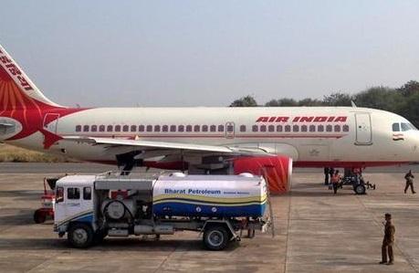 ہوائی جہاز کی ایندھن مہنگی ، ہوائی جہاز سروس کمپنیوں پر بوجھ بڑھا