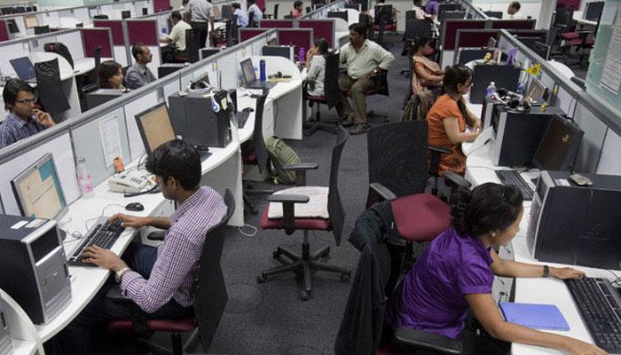 ہندوستانی آئی ٹی شعبے میں 3 سال میں تقریبا 6 لاکھ انجینئر ہو جائیں گے بے روزگار