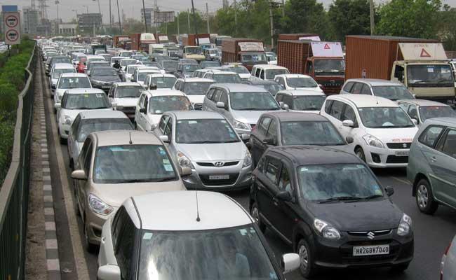 حکومت کی نئی تجویز: 11 سال پرانی گاڑی لوٹائے اور نئے پر حاصل کریں 8-12٪ کی چھوٹ