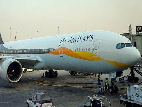 مشکل میں جیٹ ایئر ویز، 1،000 پائلٹوں نے 1 اپریل سے جہاز نہ اڑنے کا لیا فیصلہ