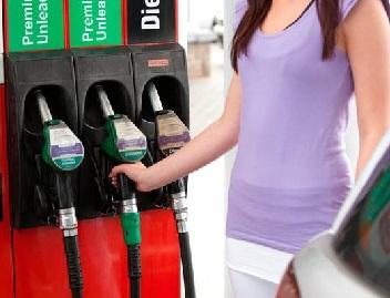 حیدرآباد میں پٹرول کی قیمت کی سنچری