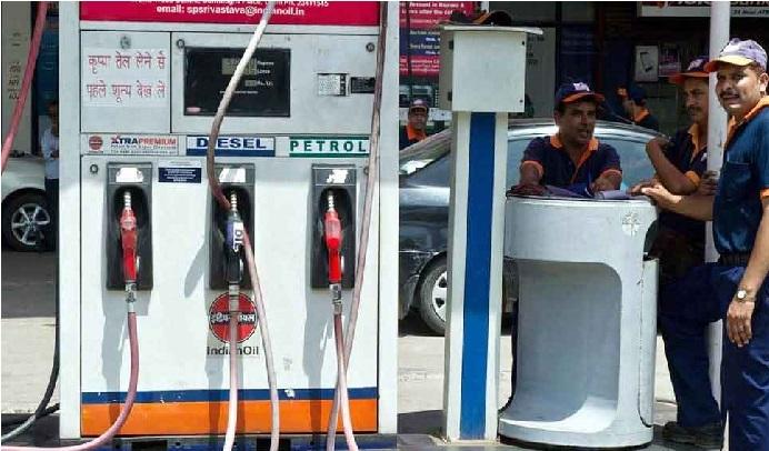 آج پھر کم ہوئے پیٹرول-ڈیزل کی قیمت