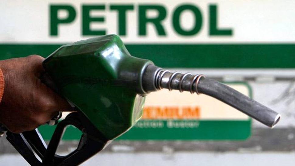 تیل کمپنیوں نے پھر کم کیے پیٹرول-ڈیزل کی قیمت