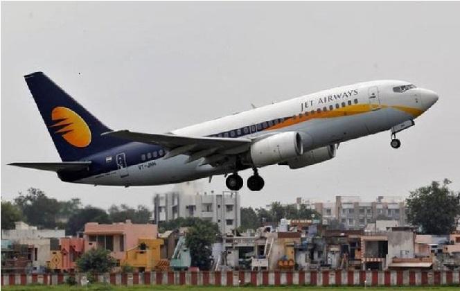 جیٹ ایئر ویز نے ممبئی سے منسوخ کی 10 گھریلو پرواز، ایئرپورٹ پر مسافر پریشان