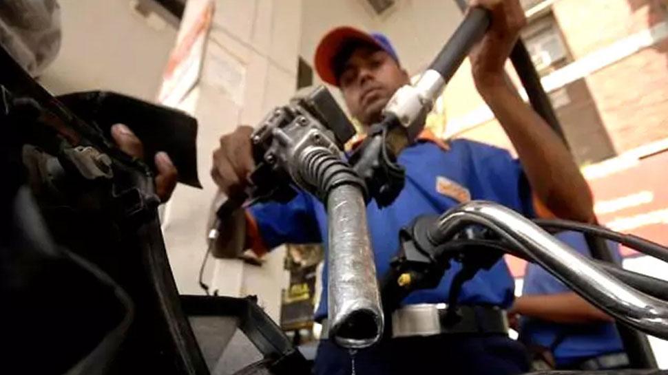 پیٹرول اور ڈیزل کی قیمتوں میں 10ویں دن آئی گراوٹ