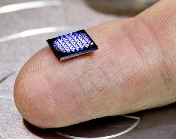 آئی بی ایم نے تیار کیا دنیا کا سب سے چھوٹا کمپیوٹر، قیمت صرف 7 روپے