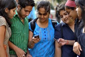 ملک میں ٹیلی فون صارفین مارچ میں بڑھ کر 120.6 کروڑ