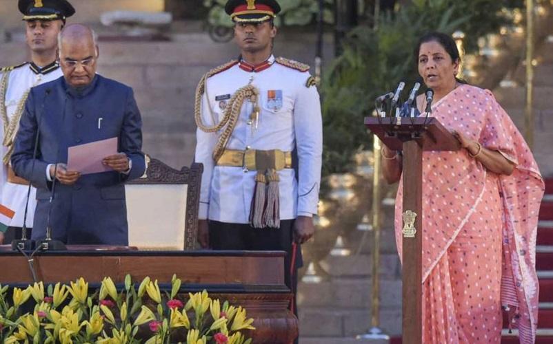 نرملا سیتا رمن بنی ملک کی دوسری خاتون وزیر خزانہ