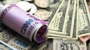ڈالر کے مقابلے روپیہ 17 پیسے مضبوط
