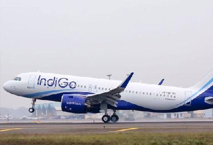جی ایس ٹی: اکنامی زمرے میں ہوائی جہاز سفر سستا ہوگا، بزنس کلاس ہوگا مہنگا