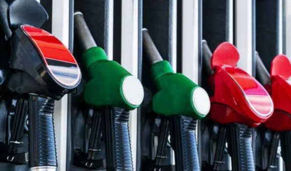 پٹرول ایک بار پھر مہنگا ، ڈیزل کی قیمتیں مستحکم