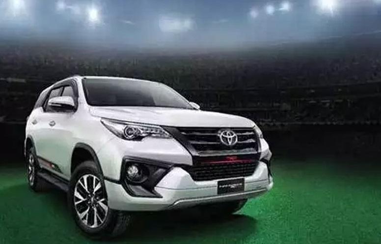 ٹویوٹا Toyota نے پیش کیا اپ ڈیٹ Crysta کرسٹا اور Fortuner فرچیونر