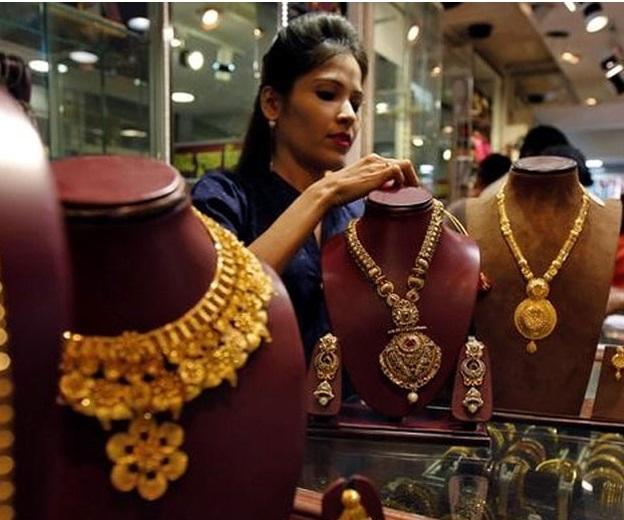 دیوالی کی مانگ سے سونا 31،000 روپئے پر،چاندی کی چمک بھی برقرار