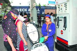 دہلی میں پٹرول 83روپے فی لیٹر