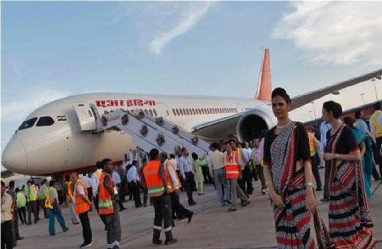 ایئر انڈیا اسٹاف نے فلائٹ میں کیا کیکی ڈانس، ایئرلائن نے کیا سخت اعتراض