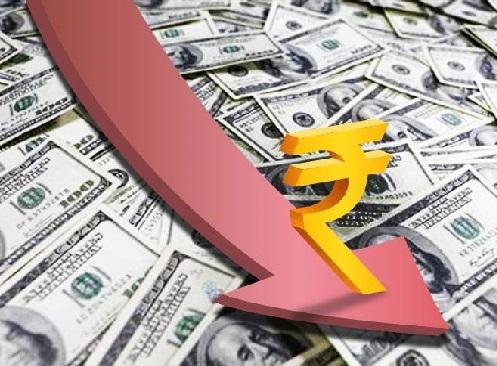 ہندوستانی کرنسی گرکر 72روپے فی ڈالر کے پار