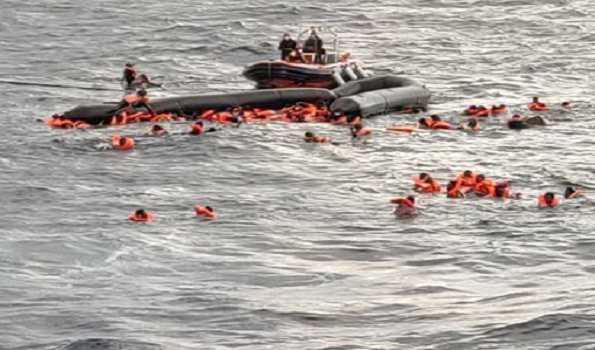 لیبیا کے ساحل پر جہاز پلٹنے سے 74 مہاجرین کی موت