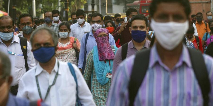 ماسک نہ لگانے والے 54افراد کو فی کس ایک ہزار روپئے جرمانہ