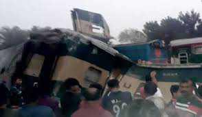 بنگلہ دیش میں ٹرین حادثے میں کم از کم 15 افرادہلاک
