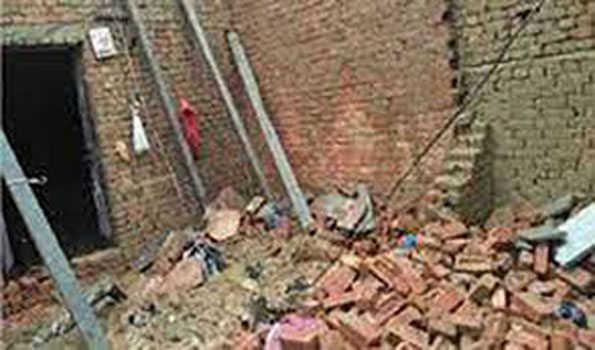 مرزاپور میں مکان کی چھت گزنے سے 5 افراد کی موت