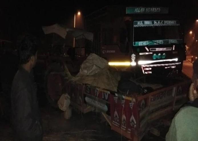 جھانسی: عقیدت مندوں سے بھری ٹریکٹر ٹرالی کی ٹرک ٹکر، پانچ ہلاک، متعدد زخمی