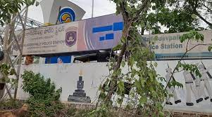 حیدرآباد:میلاردیوپلی میں پان کے ڈبوں کی پولیس کی ٹیموں نے تلاشی لی