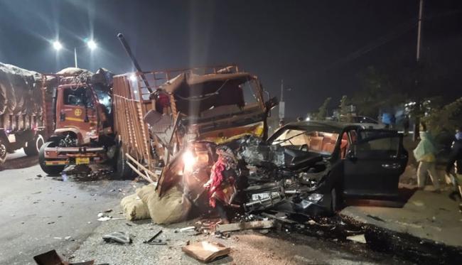 پیدمبرپیٹ کے قریب خوفناک سڑک حادثہ، دو افراد ہلاک ، ایک زخمی