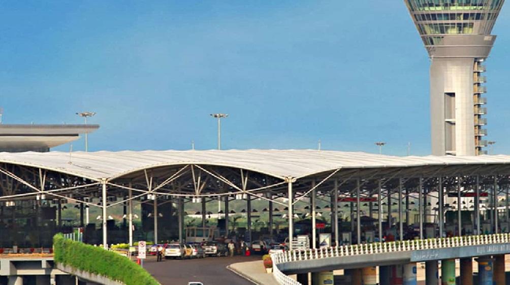 حیدرآباد کے شمس آباد ایرپورٹ پر1.3کروڑ روپئے مالیت کی بیرونی ممالک کی کرنسی ضبط