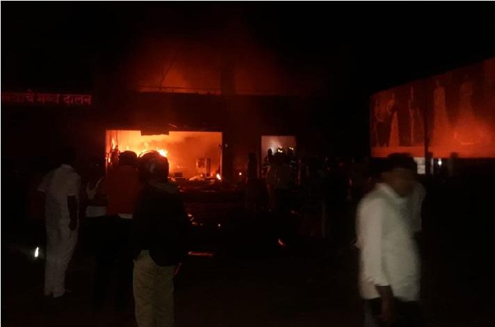 پونے کے کپڑے کے گودام میں لگی آگ، 5 کی موت