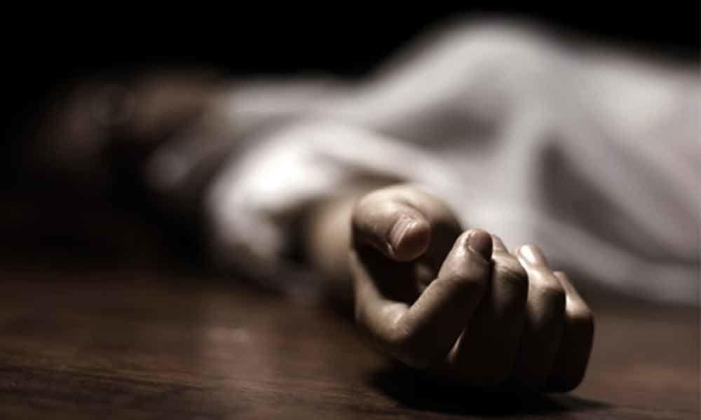 اے پی:ایک ہی خاندان کے 4افراد کی خودکشی