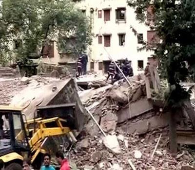 سری نگر میں بوسیدہ عمارت گرانے کے دوران 6 مزدور ملبے تلے آکر زخمی