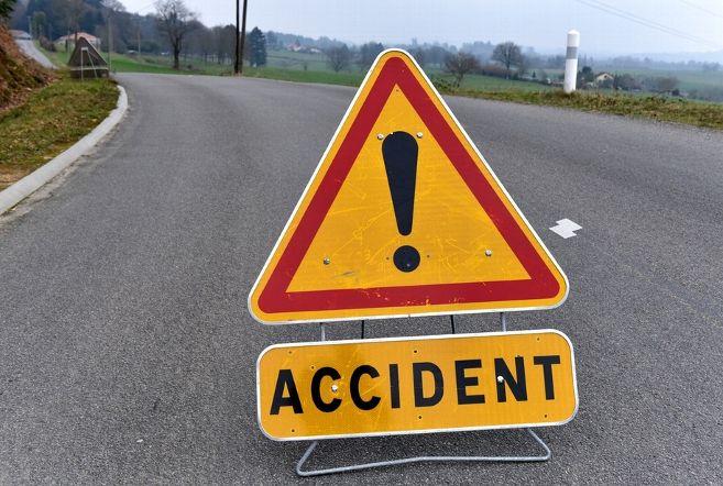 جونپور : ٹرک اور جیپ کی ٹکر، چار شردھالوؤں کی موت، 10 زخمی