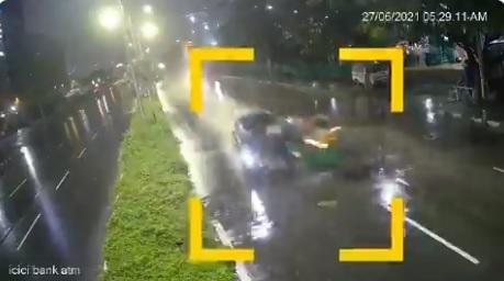 ویڈیو: سائبر آباد میں تیز رفتار کار نے آٹو کو دی ٹکرا گئی ، 1 ہلاک