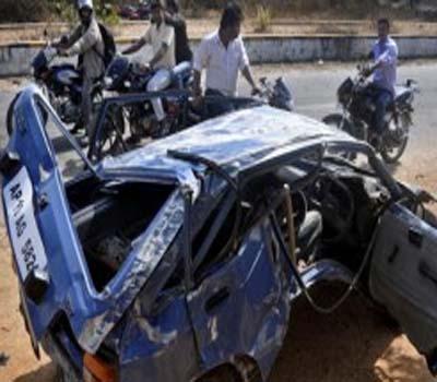 وجئے واڑہ میں ٹرک اور کار تصادم میں تین ہلاک