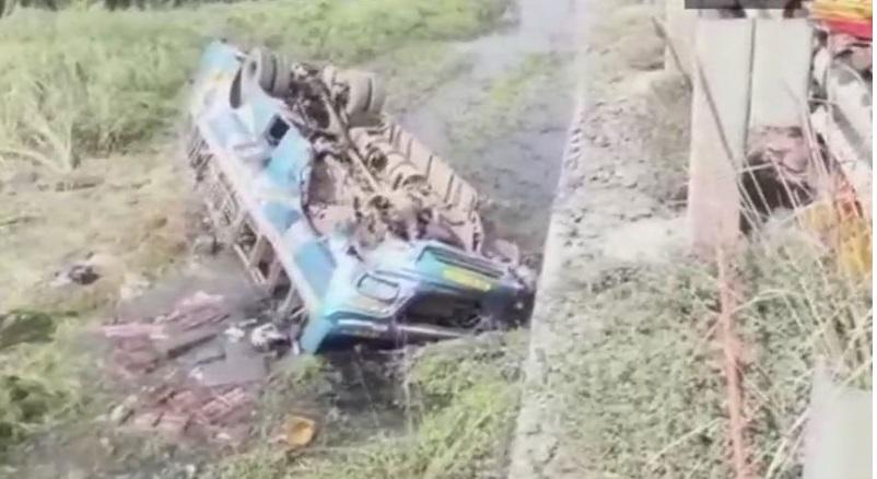 مغربی بنگال: ہگھلی میں بس نہر میں گرنے سے 6 لوگوں کی موت، 20 زخمی