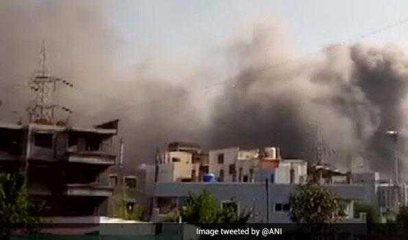 سیرم انسٹی ٹیوٹ میں شدید آتشزدگی، ویکسین عمارت محفوظ